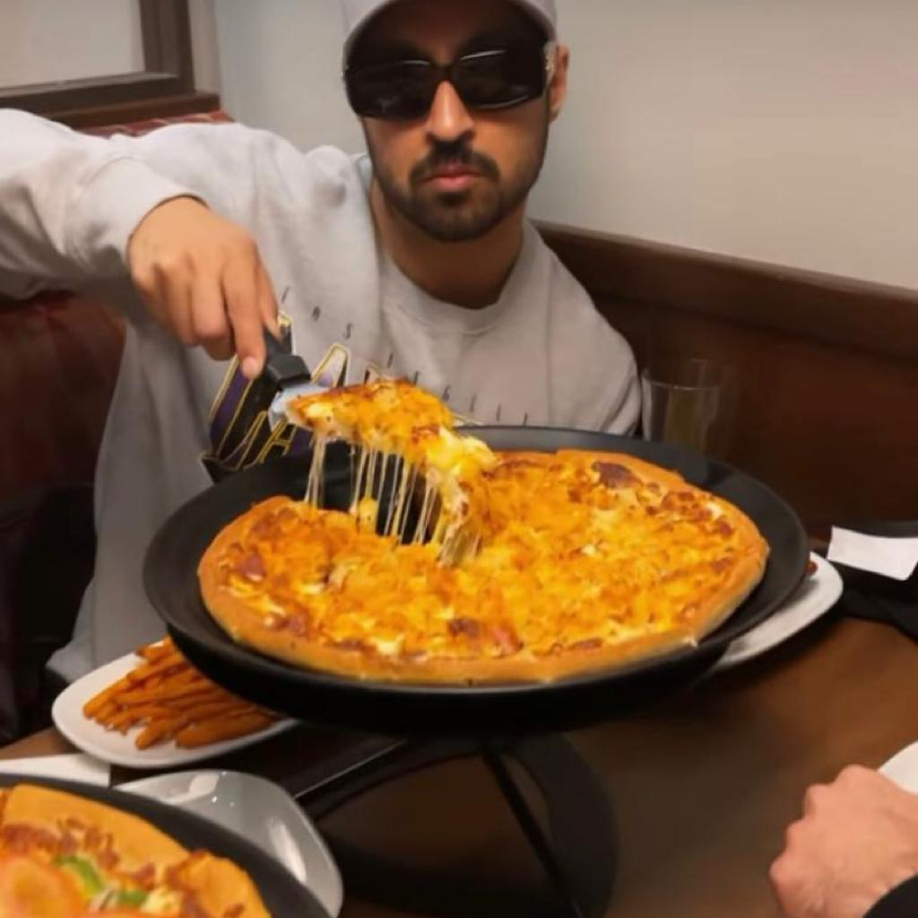 Diljit Dosanjh's 'cheat day' meal will make you drool; don't miss Punjabi singer's moves too