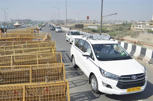 Ghazipur border closed again after a portion was opened for traffic movement