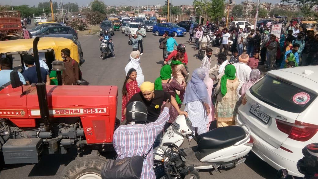 'Don't stop sick, commuters, milkmen', advises BKU chief as farmers' block Delhi-Chandigarh National Highway