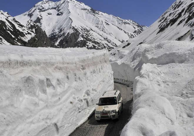 BRO personnel killed in avalanche in J&K