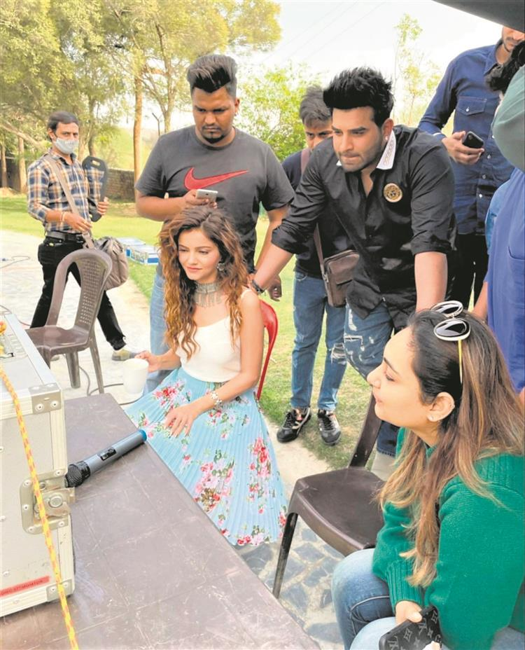'Lost my bua, family in Chandigarh…': Rubina Dilaik breaks silence on ignoring paparazzi, being called arrogant - The Tribune