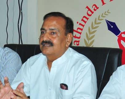 BJP MLA Arun Narang gagged over farm laws