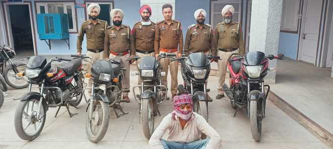 Vehicle thieves' gang busted, 5 bikes seized