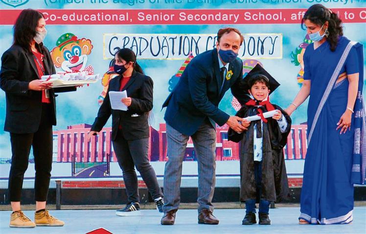 Graduation ceremony at Delhi Public School