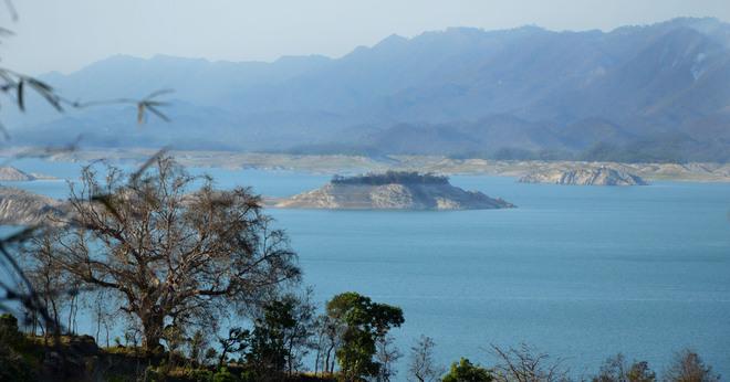 Bhakra water level dips, farmers worried