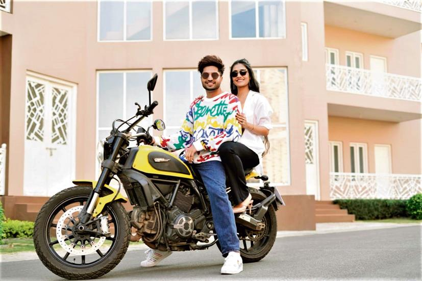 Punjabi singer and actor Jassie Gill is back with peppy track