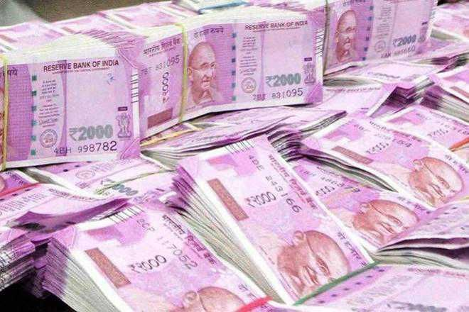 Jeweller robbed of Rs 5 lakh