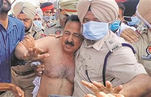 BJP MLA Arun Narang thrashed, stripped; Capt Amarinder promises action