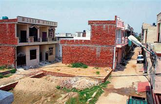 Illegal colonies: PDA notices to builders