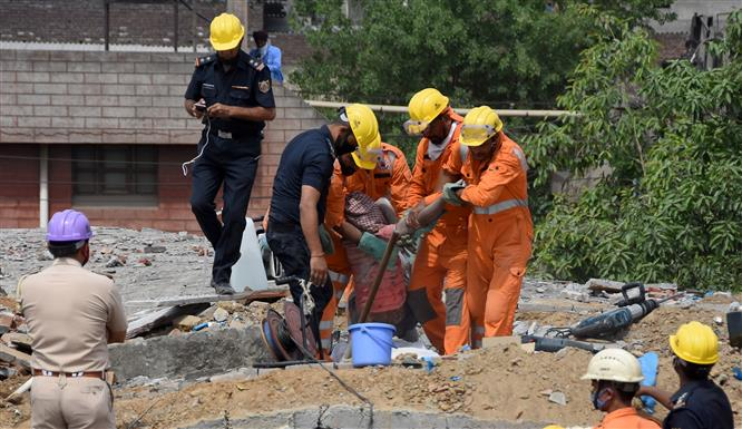 Punjab CM orders magisterial probe into Ludhiana roof collapse