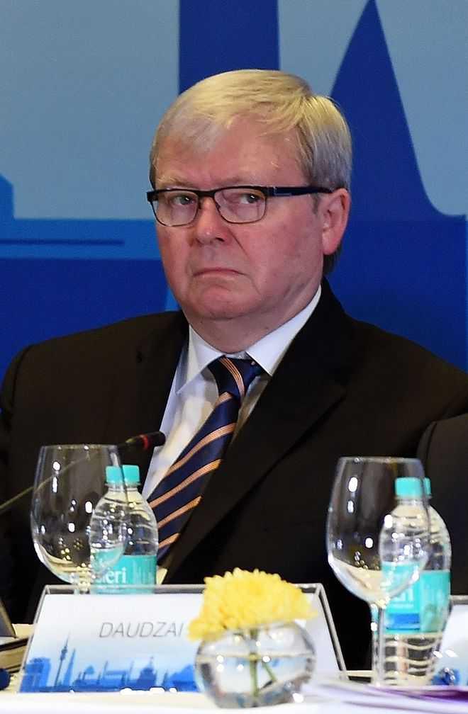 Former Australian Prime Minister Kevin Rudd mistaken as Uber driver