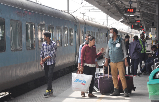Delhi govt requests railways to deploy COVID-care coaches at two station