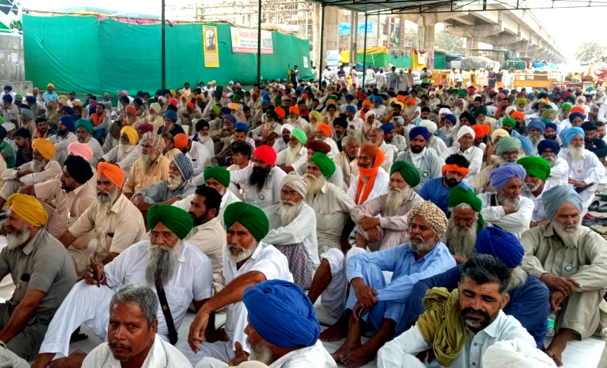 Farmers gear up for massive show on April 10; launch public contact campaign
