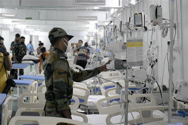 Delhi Police arrange 20 oxygen cylinders for hospital in need