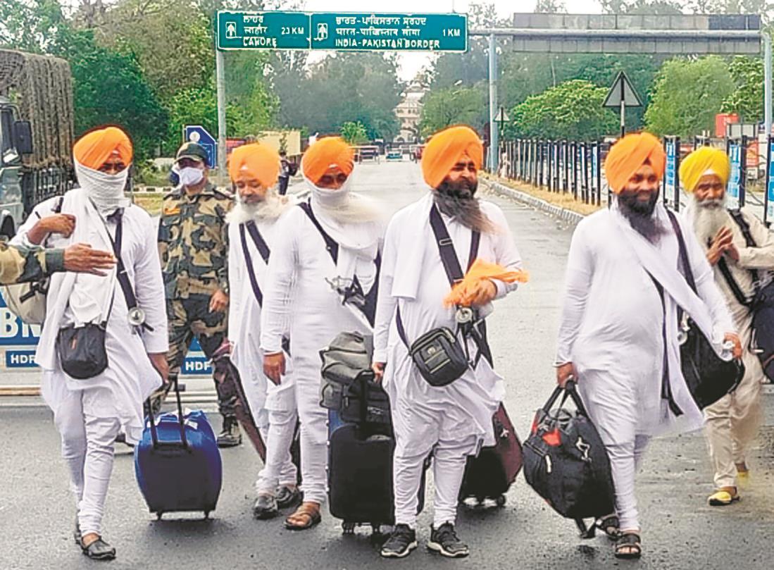 Over 200 Sikh pilgrims test +ve on return from Pakistan