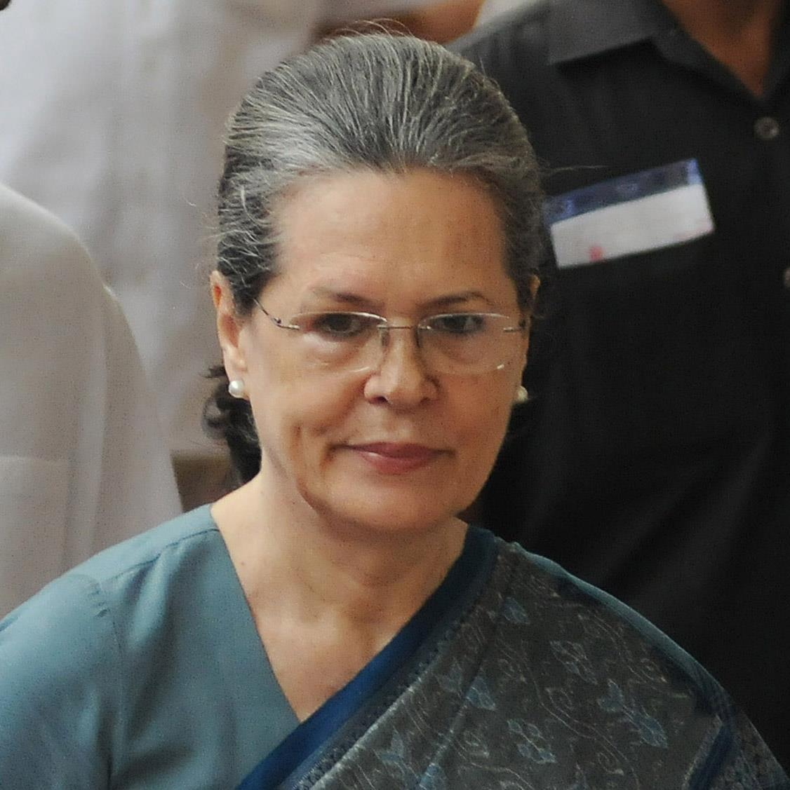 Sonia writes to PM Modi for nod to more vaccines; BJP hits back