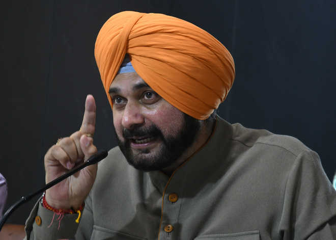 Shameful that Delhi Police is allowed to torture Punjabis in our domain and territory: Navjot Sidhu