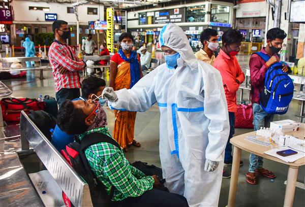 India witnesses over 2 lakh fresh Covid cases, 1,038 more deaths