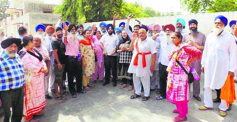 Around 100 pilgrims who went to Pakistan to celebrate Baisakhi test Covid positive on return