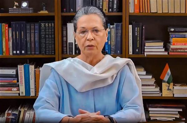 Govt mismanaged Covid by exporting vaccine, creating local shortage, Sonia tells Congress CMs