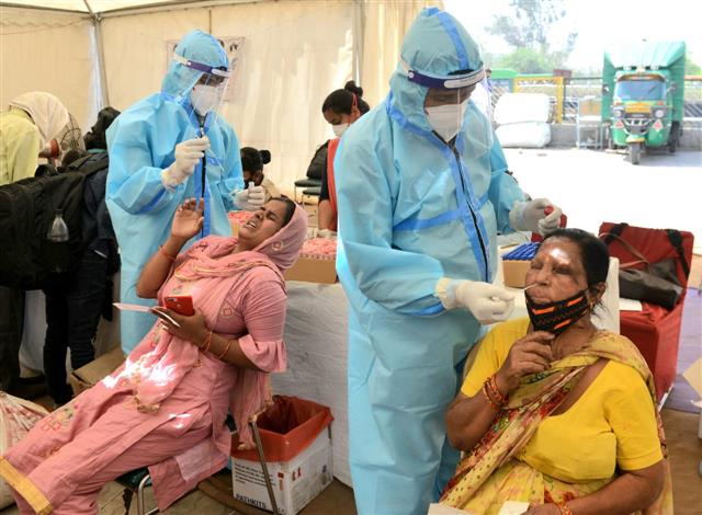 India sees highest-ever 1-day spike of 1,52,879 cases; active infections breach 11-lakh mark