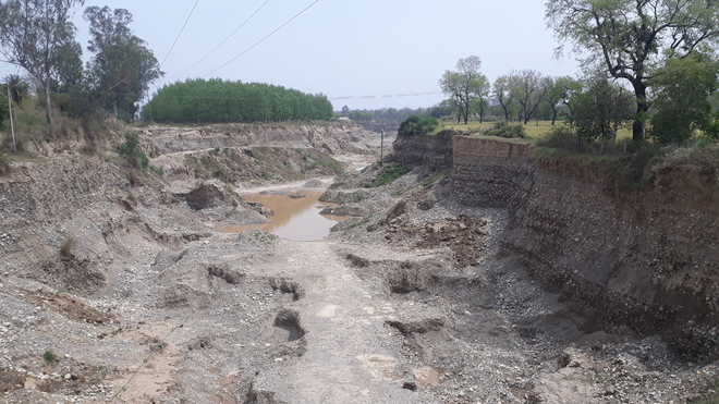 Rs 1.64 crore fine on contractor for illegal mining in Sonepat