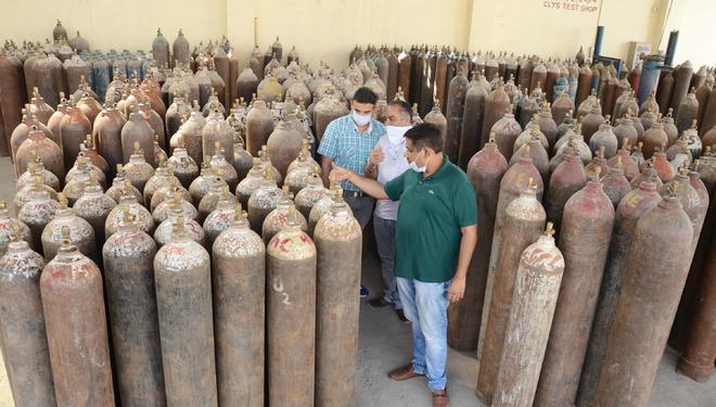 Jalandhar Deputy Commissioner warns of action against those selling Oxygen gas in black