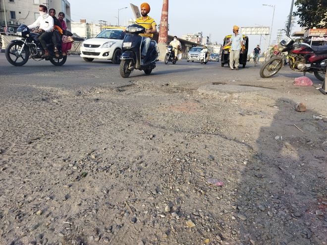 Amritsar MC mulls recarpeting of city roads under PWD, ready to spend Rs4 cr