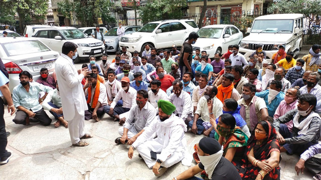 YAD protests 'highhandedness' of Ludhiana MC against street vendors