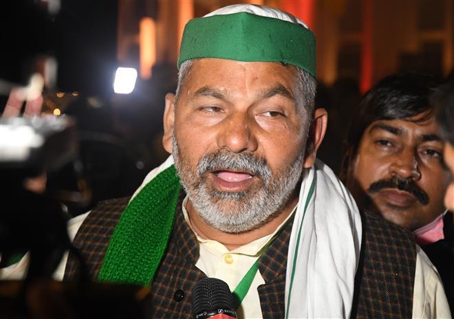 Won't let govt derail stir, warns Rakesh Tikait