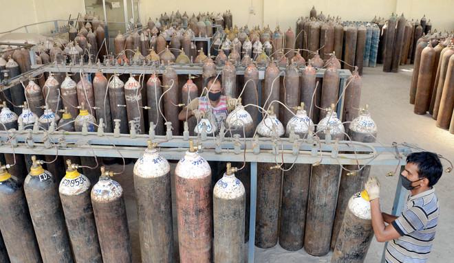 Prices of oxygen cylinders spiral in Jalandhar amid high demand