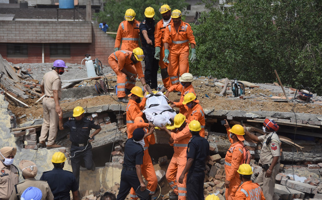 Ludhiana MC blames unit owner, contractor for roof collapse