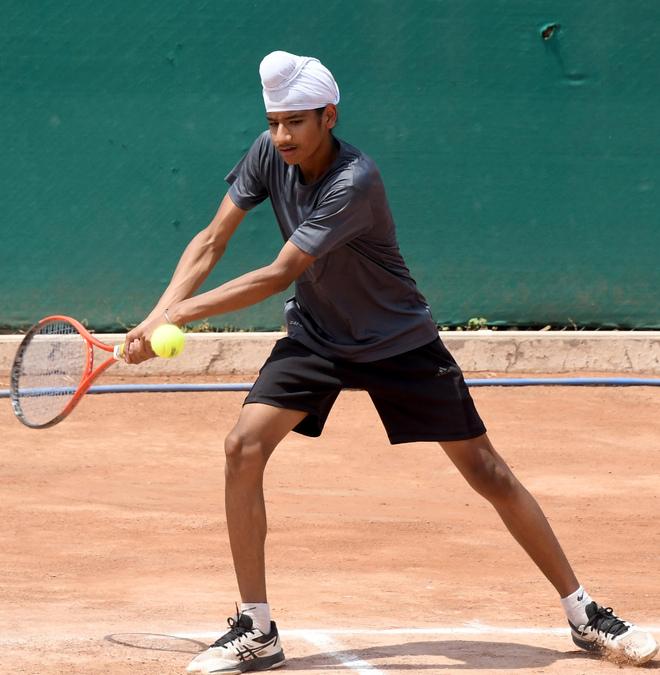 Sidak Kaur eases into semifinals