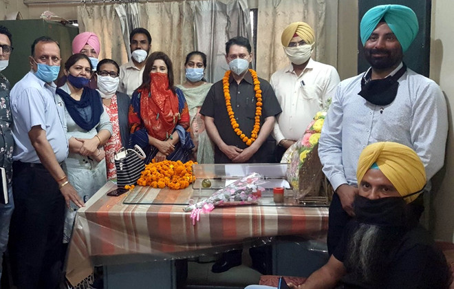 Sushil Kumar Tuli assumes charge as Amritsar's DEO (elementary)