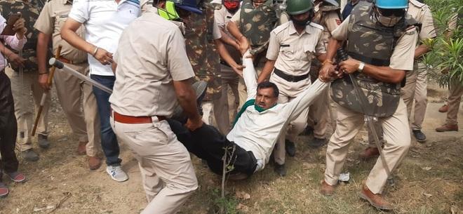 Kurukshetra: Farmers protest BJP leader Om Prakash Dhankar's visit, detained