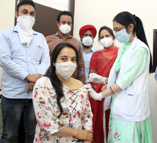 Five more succumb to virus, 302 test +ve in Amritsar