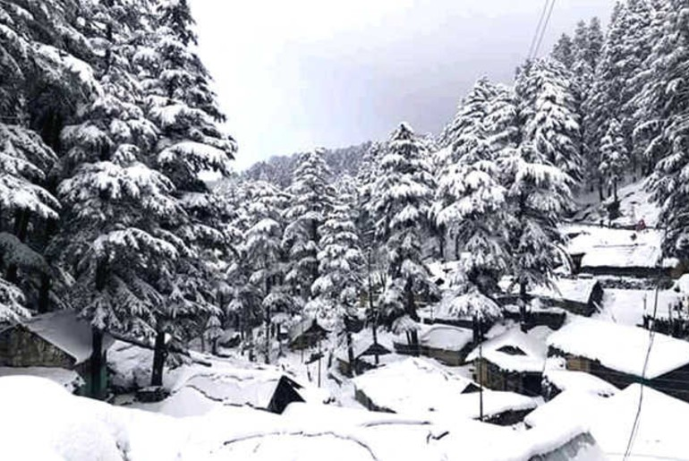 Snowfall in higher reaches of Himachal