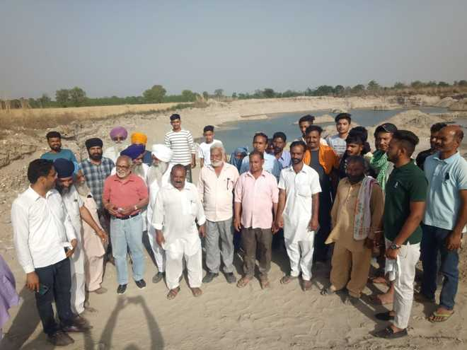 Ropar villagers protest illegal mining as tubewells go dry