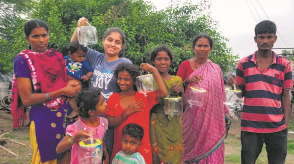 17-yr-old lights up lives of slum dwellers