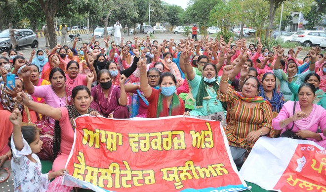 ASHA workers, pensioners come down hard on govt