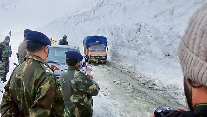 Delayed by snow, two lifelines to Ladakh reopen