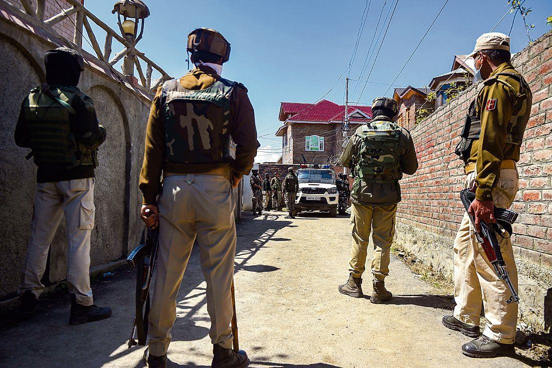 Jammu and Kashmir Police mull revamping security cover for 'vulnerable' leaders