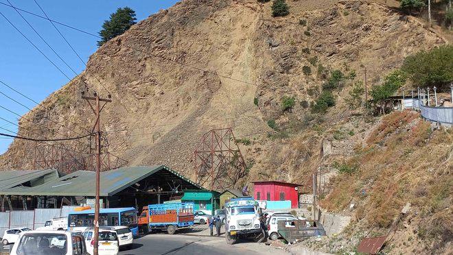 IIT team to decide fate of Shimla fruit mandi