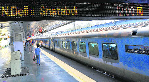 Afternoon Shatabdi to Delhi chugs off from Chandigarh on April 10