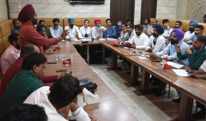 Parents continue to protest against private school managements in Ludhiana