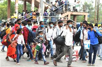 After Kejri, L-G appeals to migrants not to flee Delhi