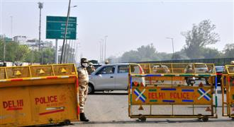 Delhi weekend curfew spells chaos at Gurugram border
