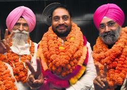 Minister's brother Amarjit elected Mayor of Mohali