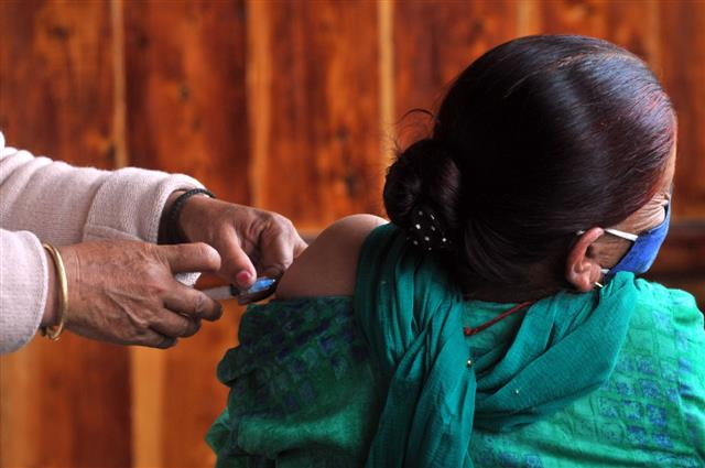 45+ to get priority in vaccine: Chandigarh Adviser