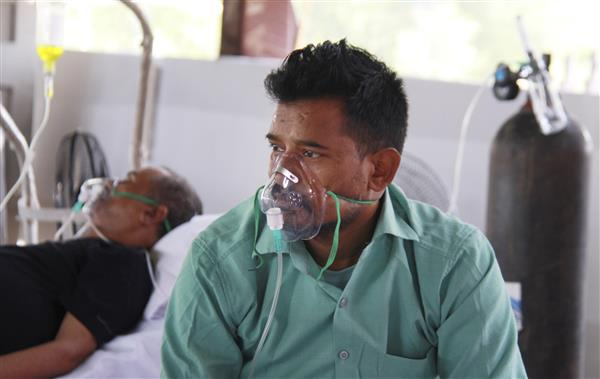 Supply 700 MT oxygen daily to Delhi till further orders: SC tells Centre